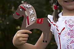 Hračky - Prevliekacia hračka koník biely (hnedy) - 7904890_