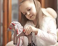Hračky - Prevliekacia hračka koník biely (hnedy) - 7905020_