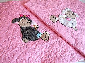 Textil - prehozy s ovečkami - 7906920_