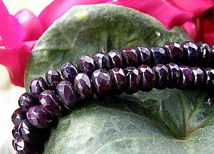 Náhrdelníky - Sugilitový náhrdelník - 7907014_