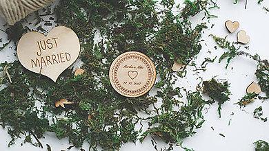 Darčeky pre svadobčanov - Drevená magnetka pre svadobčanov, 5,5 cm - 7910217_