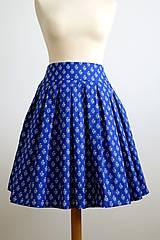 modrá folk skladaná sukňa