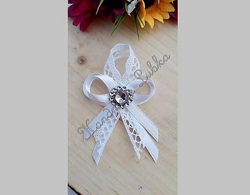 Biele svadobné pierka