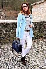 Kabáty - Svetlo modrý trenčkot - 7912096_