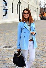 Kabáty - Svetlo modrý trenčkot - 7912099_