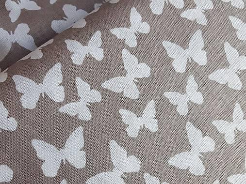 látka latté motýle