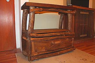 Nábytok - Drevený stolík z masívnej borovice a smrekových dosiek - 7917346_
