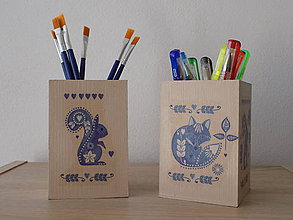 Krabičky - Drevený stojan na kancelárske potreby,štetce,príbor - 7919392_