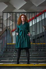 Šaty - Zavinovací šaty MONA, smaragdová zelená - 7930014_