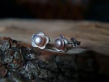 Náušnice - Kvietky s perličkou - náušnice - 7930144_