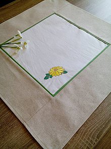 Úžitkový textil - Obrúsok s výšivkou - 7929172_