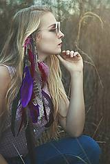 Ozdoby do vlasov - Tmavý fialovo-vínový hair clip s bambulkami - 7927324_