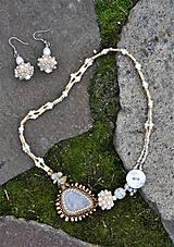 Náhrdelníky - Bielo-zlatý náhrdelník - 7927216_
