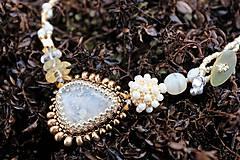 Náhrdelníky - Bielo-zlatý náhrdelník - 7927228_