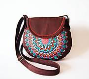 - Malá hnedá kabelka s mandalou - 7933594_