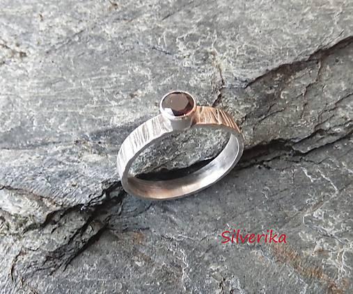 95ec7082e Strieborný prsteň s českým granátom / AURICAE - SAShE.sk - Handmade ...