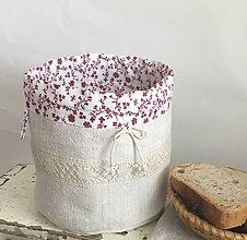 Úžitkový textil - Podšité ľanové vrecúško s ručne paličkovanou krajkou - 7938236_