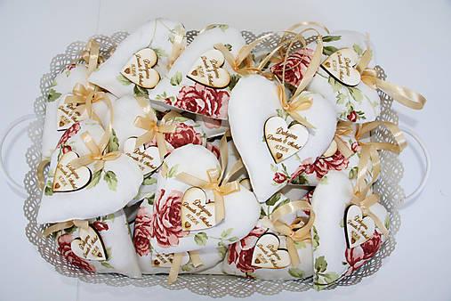 svadobné levanduľové srdiečka