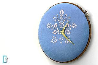 Hodiny - Prvý sen, ručne vyšívané nástenné hodiny - 7940862_