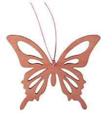Iný materiál - Drevený motýľ na zavesenie 8cm - ružový - 7949485_