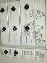 Vešiak na kľúče - kvetinky