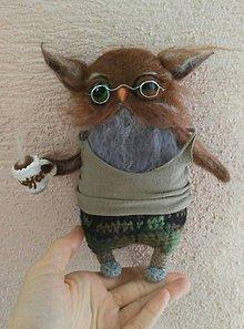 Hračky - Vypelíchaná sova - vojak, v papučkách so šálkou kávy - 7953681_