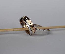 Prstene - Tepané obrúčky trojfarebné - 7957071_
