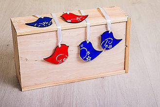 Dekorácie - Andreas: Vtáčik drevený modrý /červený - 7958055_