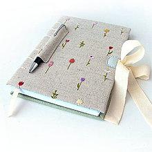 Papiernictvo - Vyšívaný zápisník Drobné kvietky - A5 - 7954780_