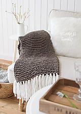 Úžitkový textil - Pletená deka so strapcami ... šedo-hnedá - 7960263_
