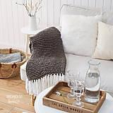 Úžitkový textil - Pletená deka so strapcami ... šedo-hnedá - 7960282_