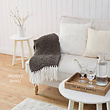 Úžitkový textil - Pletená deka so strapcami ... šedo-hnedá - 7960294_