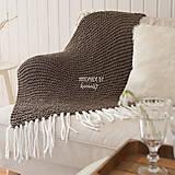 Úžitkový textil - Pletená deka so strapcami ... šedo-hnedá - 7960302_