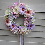 Dekorácie - Veniec na dvere celoročný ružovo- fialový - 7959278_