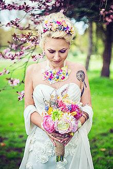 Náhrdelníky - Pestrofarebný kvetinový náhrdelník \