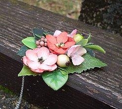 Náhrdelníky - Kvetinový náhrdelník - 7962741_