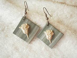 Náušnice - Náušnice z polyméru, perleťová ružička - 7959578_