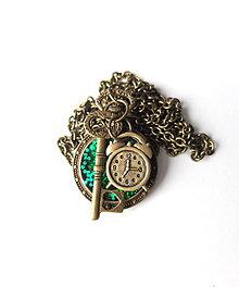 Náhrdelníky - Živicový náhrdelník Alica zelený - 7964094_