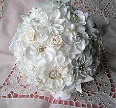 Kytice pre nevestu - Saténová svadobná kytica pre nevestu - 7970604_