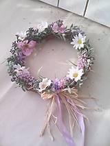 Dekorácie - Kvetinový venček na dvere levanduľový - 7971070_