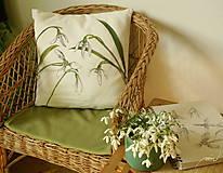 Úžitkový textil - Obojstranný maľovaný poťah na vankúš čiernobielo/farebný (Snežienky) - 7969596_