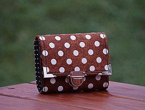 Peňaženky - Peněženka hnědý puntík, 8 karet, fólie na fotky - 7969146_