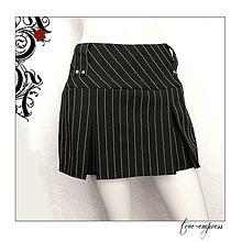 Sukne - Čierno-biela pruhovaná sukňa so skladmi - 7973219_