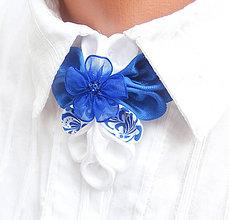 Náhrdelníky - Elegancia a la Chanel - kráľovská modrá / modrý folk náhrdelník pod golier - 7972972_
