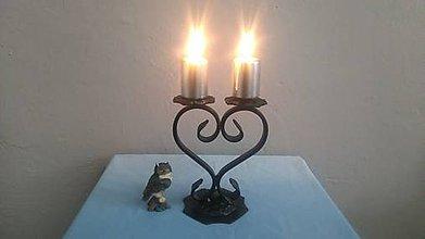 Svietidlá a sviečky - kovový svietnik srdce - 7978271_
