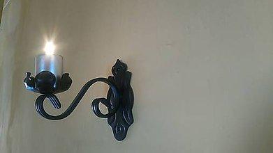 Svietidlá a sviečky - kovový svietnik na stenu - 7978339_