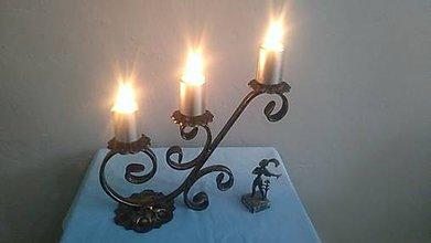 Svietidlá a sviečky - kovový svietnik (patina) - 7978724_