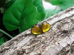 Náušnice - Srdiečka mini napichovačky - akrylové (Horčicovo žlté srdiečka v bronze  č.820) - 7979189_