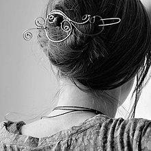 Ozdoby do vlasov - Nocí tančím blues - provlékací spona do vlasů či na oděv - 7984112_