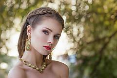 šitý náhrdelník V RÍŠI SNOV (Zlatá/Zelená/Opal  - Ag 925 pozlátené 24kt Au)